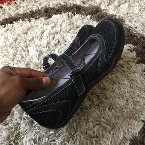 Women's Ahmu Sandals
